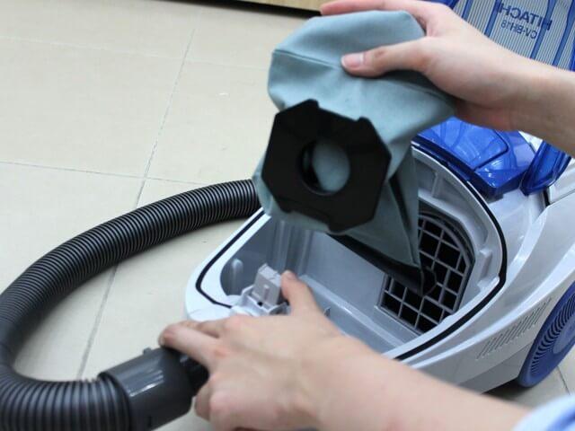 Khi nào cần vệ sinh và thay bộ lọc máy hút bụi?