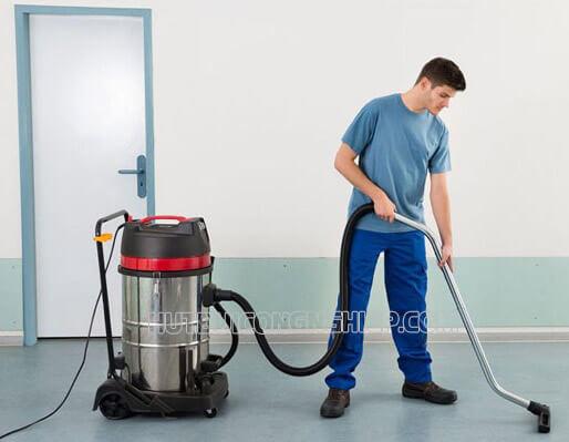 Sử dụng máy hút bụi công nghiệp đảm bảo chất lượng vệ sinh cho xưởng sản xuất mỹ phẩm