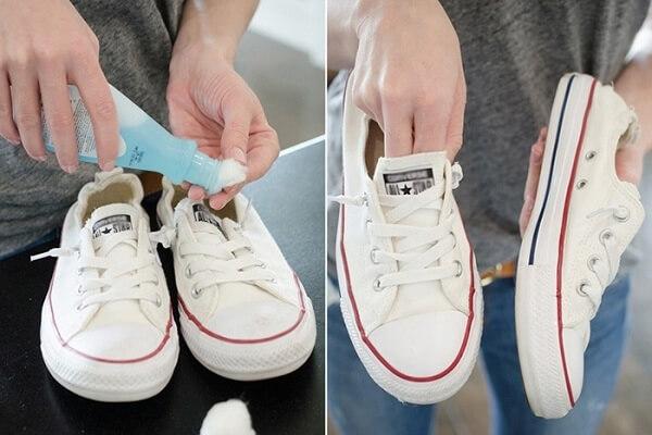 Cách làm sạch giày trắng bị ố vàng dễ như ăn kẹo