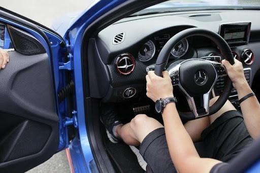 Tư thế ngồi lái đúng kỹ thuật