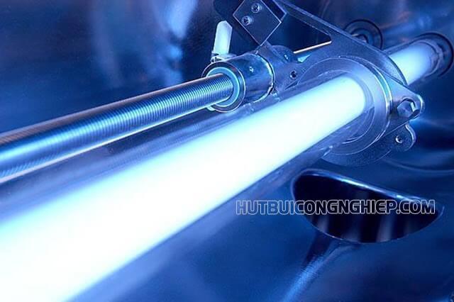 đèn tia UV được dùng trong máy lọc nước để diệt khuẩn
