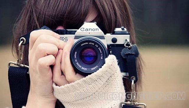 sử dụng chức năng zoom của máy ảnh