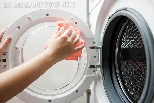 làm sạch máy giặt bằng baking soda