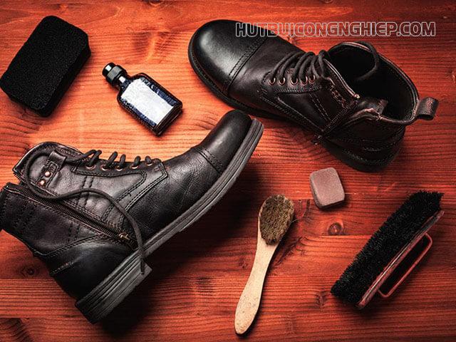 Làm thế nào để vệ sinh giày da bò?