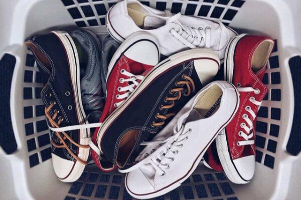 Máy làm sạch giày loại nào tốt nhất hiện nay?