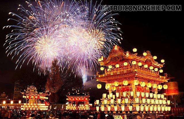Pháo hoa rợp trời tại Lễ hội đêm Chichibu